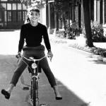 オードリー・ヘップバーン 自転車 クロスバイク 女性 ファッション